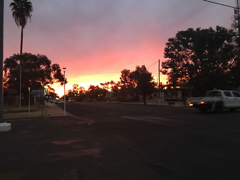 Club Boutique Hotel Cunnamulla Alfresco dining great sunset